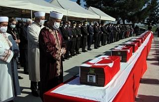 14 şehit çocuğumuz, askeri törenle defnedildi