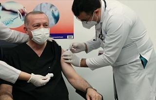 Erdoğan aşı yaptırdı