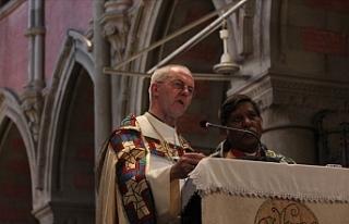 İngiliz Kilisesi, Kovid-19 aşısını kontrol etmeye...