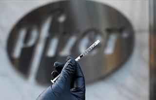 """""""Pfizer"""" aşılarının bin kişilik ilk dozu..."""