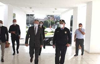 Bakan Evren, Polis Genel Müdürü Soyalan'a...