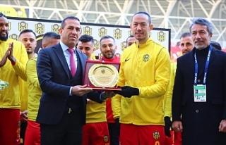 Umut Bulut Süper Lig'de tarihe geçti