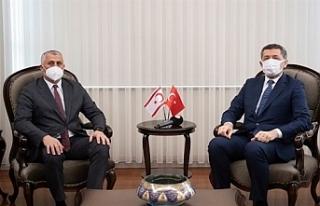 Amcaoğlu, Ankara'da mevkiidaşı Selçuk ile görüştü