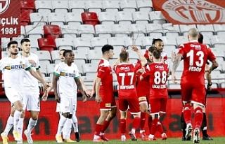 Antalyaspor kupada adını finale yazdırdı