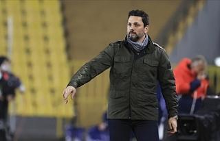 Fenerbahçe'de teknik direktör Erol Bulut ile...
