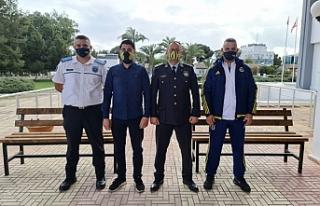 Fenerbahçeliler Derneği oturma bankın hediye etti