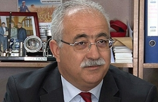 İzcan'dan protokol eleştirisi