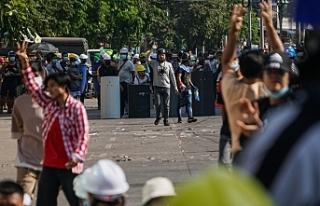 Myanmar'daki protestolara güvenlik güçlerinin...