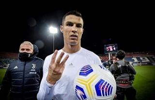 Ronaldo hat-trick yaptı, Juventus deplasmanda Cagliari'yi...