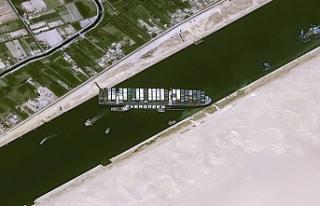 Süveyş Kanalının kapanmasından 14 rum bandıralı...