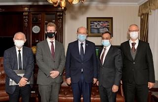 Tatar, Stephen Lillie ve İngiliz yetkililer ile görüştü