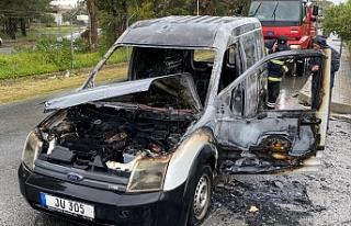 Boğazköy -Pınarbaşı Anayolu üzerinde araç yangını