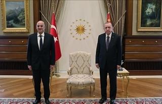 Erdoğan, Yunanistan Dışişleri Bakanı Dendias'ı...