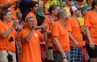 Hollanda, EURO 2020 maçlarına en az 12 bin seyirciyle...