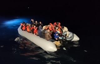 Türk kara sularına geri itilen 231 düzensiz göçmen...
