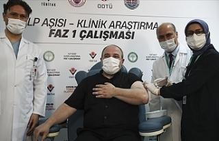 Türkiye Sanayi Bakanı yerli Kovid-19 aşı adayının...