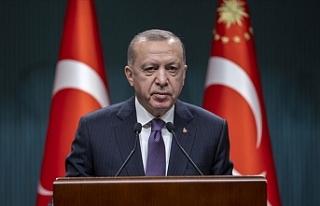 """Erdoğan: """"İşçi kardeşlerimin 1 Mayıs Emek..."""