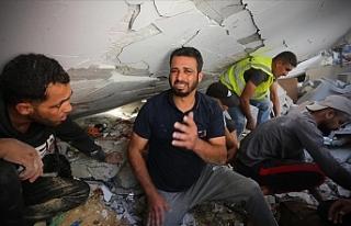 İsrail'in saldırılarında 52'si çocuk,...