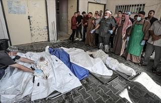 İsrail savaş uçakları Gazze'yi bombaladı: Şehit...