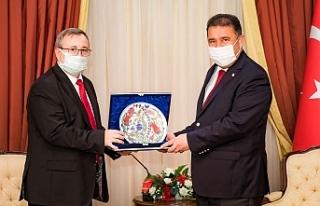 Başbakan Saner, Trakya Üniversitesi Rektörü Tabakoğlu'nu...