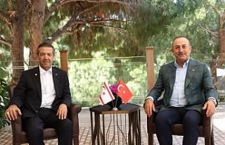 Çavuşoğlu ve Ertuğruloğlu, Antalya'da görüştü