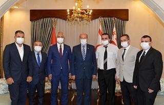 """Tatar: """"Gençler, milli bilinci yüksek bireyler..."""