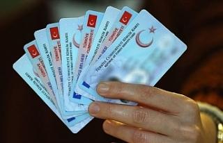 Türkiye'den eski tip kimlik kartıyla KKTC'ye...
