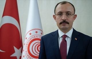 Türkiye Ticaret Bakanı Mehmet Muş KKTC'ye...