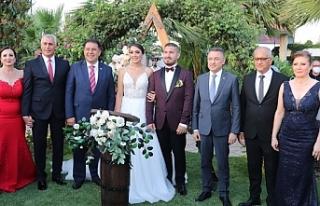 Oktay, Olgun Amcaoğlu'nun kızının düğününde...