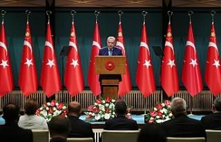 """Erdoğan: """"Aşı olmamış öğretmen ve personelin..."""