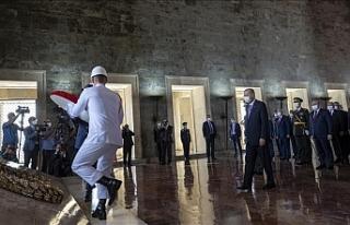 Erdoğan başkanlığındaki devlet erkanı, Anıtkabir'i...