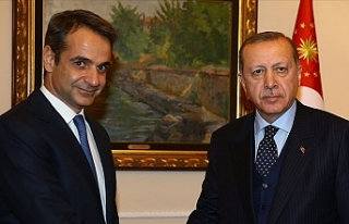 Erdoğan, Yunanistan Başbakanı Miçotakis ile telefonda...