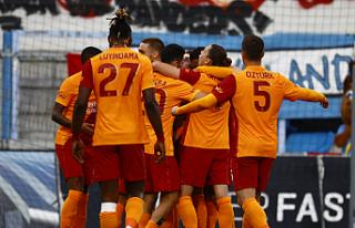 Galatasaray, gruplara kalmayı başardı