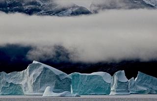 Grönland'daki buzulların zirvesine ilk kez yağmur...