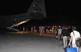Kabil'deki 379 Türk vatandaşı daha 'uçan...