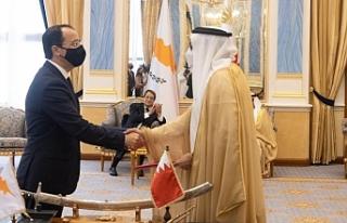 Anastasiadis ve beraberindeki bakanlar Bahreyn'de...