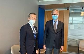 Ertuğruloğlu, BM Genel Sekreter Yardımcısı ile...