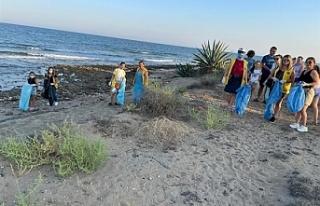 İskele sahilinde temizlik