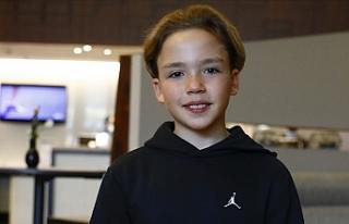 Müzik yarışmasına damga vuran 12 yaşındaki Kaya...