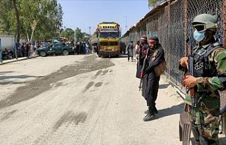 Pakistan, Afganistan sınırına çektiği tel örgüleri...