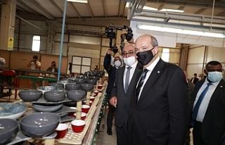 Tatar, Kütahya'da seramik fabrikasını inceledi