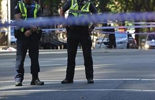 Yeni Zelanda'da bıçaklı saldırgan polis tarafından...