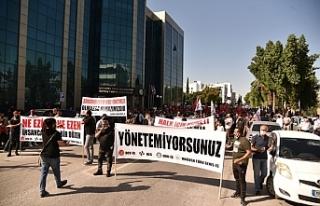 28 belediyede örgütlü 4 sendika Lefkoşa'da eylem...