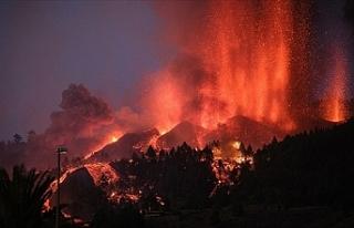 Şimdiye kadar 80 milyon metreküp lav püskürttü