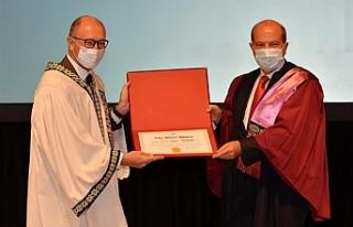 Tatar'a fahri doktora ünvanı