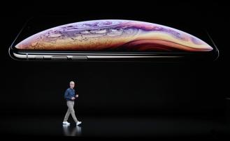 APPLE'DAN YENİ IPHONE VE AKILLI SAAT