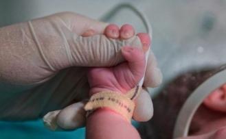 Dünyada her yıl yaklaşık 2 milyon çocuk ölü doğuyor