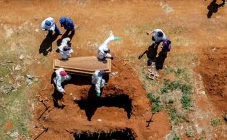 Brezilya'da Kovid-19 sebebiyle bir günde ilk kez 4 binden fazla kişi öldü