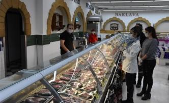 Girne Belediyesi, denetimlerini sürdürüyor