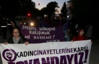 Bazı Örgütlerden Kadınlar Günü Yürüyüşü